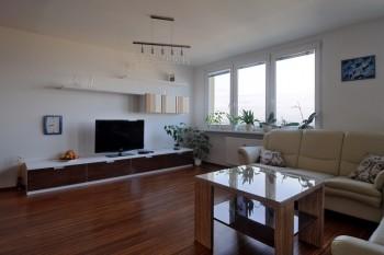 návrh nábytku do panelákového bytu